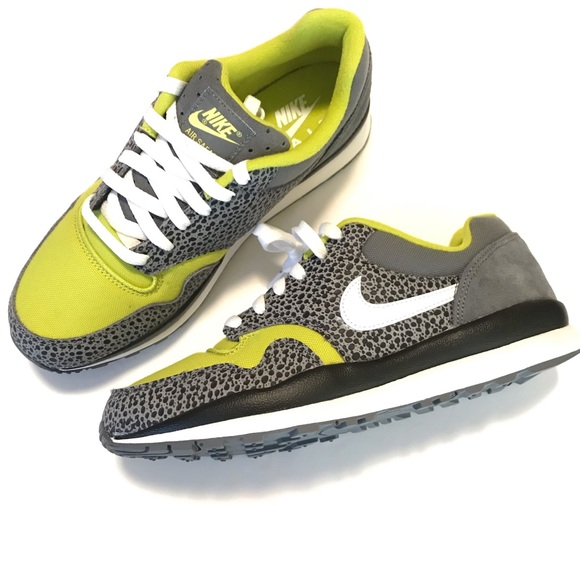 promo code 9f668 20414 Nike Air Safari SE Size 8 Sneakers Grey Cactus